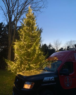 Making a customers Christmas Merrier! Yes we do Xmas lights as well! Call us for your lighting needs. 401-443-6715. #rcelectric02871 #xmas #holidayseason #santaiscoming